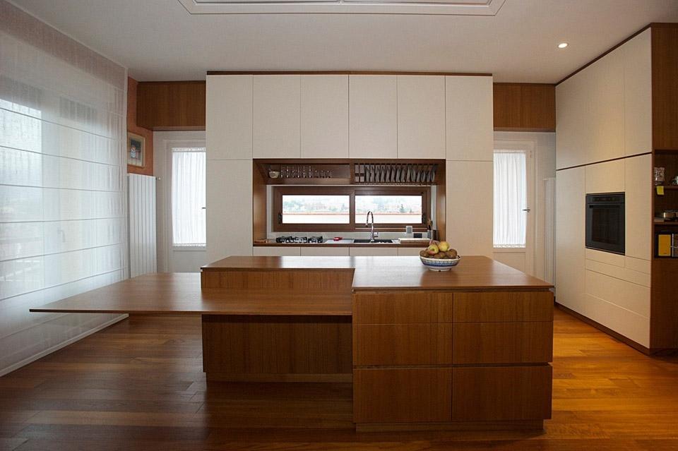 Infissi e arredi in legno su misura a firenze - Cucine high tech ...